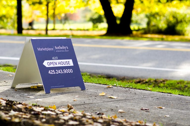 Outdoor sidewalk signs for business