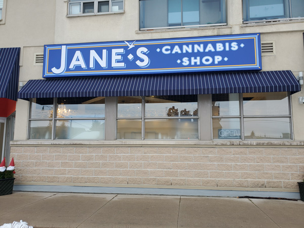 The best awning sign provided by Insight Signs and Graphics in Aurora, ON